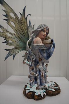 Figurine en vente sur notre site. Cliquer sur l'image et vous serez dirigé vers le site.