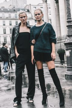 #KassiaSturss and #AnnaEwers #offduty at Paris Haute Couture . #streetstyle #models #PFW #moda #calle