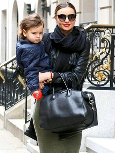 Star Tracks: Thursday, January 2, 2014   BABE IN ARMS   Another day, another outing for little Flynn Bloom, 3 this month, who hitches a ride in mom Miranda Kerr's arms in New York City on New Year's Eve.
