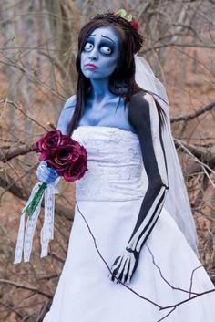 Incroyable travail de maquillage pour cette mariée d'Halloween
