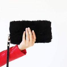 Τσάντα clutch faux fur - Δωρεάν αποστολές BLUSHGREECE Faux Fur, Bags, Handbags, Bag, Totes, Hand Bags
