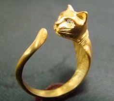 bagues de chat or 14 k avec des yeux de diamant par Xidni sur Etsy, $410.00