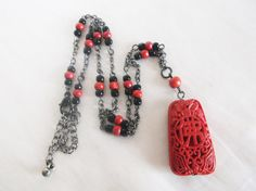 $22.14 (was $27) - Vintage Retro Chinese Carved Cinnabar Pendant Black Red Bead Chain Necklace