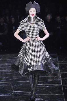 A/W 2009-10 Ready-To-Wear Collection