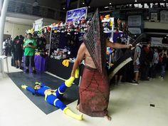 O morador de Santos interage com outros cosplayers em eventos (Foto: Gabriel Capella/Arquivo Pessoal)