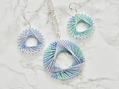 Items similar to String Art Spirograph Earrings and Necklace Set Print Lightweight Woven Multi-Colored on Etsy Boho Jewelry, Jewelry Art, Jewelry Design, Fashion Jewelry, Women Jewelry, Fabric Jewelry, Diy Fashion, Jewellery, Spirograph Art