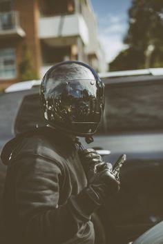 Cafe Racer Helmet, Cafe Racer Bikes, Cafe Racer Motorcycle, Motorcycle Style, Biker Style, Motorcycle Helmets, Custom Helmets, Custom Bikes, Motocross
