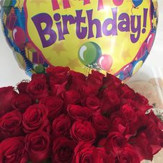 Feliz cumpleaños!!! #diloconglobos #yosoydettaglios #dettaglios #rosas #globo36 Birthday Cake, Instagram, Desserts, Food, Happy Birthday, Roses, Tailgate Desserts, Deserts, Birthday Cakes
