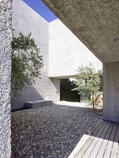 What a house! And the pool terrace with the sunken bar is just the beginning. This house is full of architectural wonders. The concrete house, in Brissago, Switzerland was the...