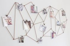 Diy Wall Photo Collage Ideas without Frames 48 Wall Collage without Frames 17 Layout Ideas Diy Dorm Decor, Diy Wall Decor, Dorm Decorations, Decor Crafts, Diy Wand, Hanging Photos, Hanging Art, Photo Hanging Clips, Hanging Pictures On The Wall