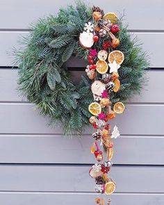 Artificial fir tree as Christmas decoration? A synthetic Christmas Tree or perhaps a real one? Lovers of artificial Christmas decorations , such as for example Christmas tree or artificial Advent wrea Christmas Candles, Christmas Centerpieces, Christmas Crafts, Christmas Decorations, Xmas, Holiday Decor, Moss Wreath, V Instagram, Advent Wreath