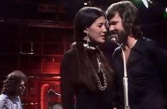 Watch Kris Kristofferson and Rita Coolidge's Loving Duet of 'Help Me Make It Through the Night'