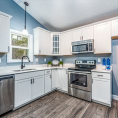 Home Staging St Louis Home Staging Companies, St Louis, Kitchen Cabinets, Room, Home Decor, Bedroom, Decoration Home, Room Decor, Cabinets