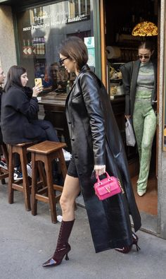 Kendall Jenner Outfits, Gigi Hadid, Kardashian, My Girl, Charlotte, Aesthetics, Winter Jackets, Leather Jacket, Girls