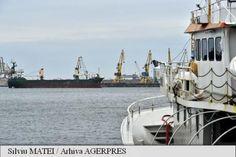 Compania Națională Administrația Porturilor Maritime (CNAPM) Constanța S.A. a finalizat dragajul șenalului navigabil și a pasei de intrare din Portul Midia până la cota de proiectare. Boat, Vehicles, Dinghy, Rolling Stock, Boats, Vehicle