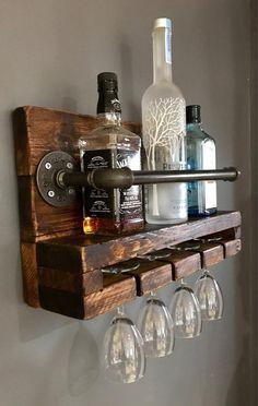 Unique diy pallet wine rack ideas all decoratoo домашний бар Wine Glass Shelf, Wine Glass Rack, Wood Wine Racks, Wine Rack Wall, Glass Shelves, Dyi Wine Rack, Pallet Wine Rack Diy, Diy Pallet Bar, Corner Wine Rack