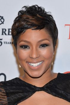 Alicia Quarles Photos - TV Personality Alicia Quarles attends the TIME 100 Gala, TIME's 100 most influential people in the world, at Jazz at Lincoln Center on April 2014 in New York City. - Arrivals at the TIME 100 Gala Bump Hairstyles, Short Pixie Haircuts, Cute Hairstyles For Short Hair, Hairstyles For Round Faces, Curly Hair Styles, Natural Hair Styles, Trendy Hairstyles, Short Sassy Hair, Short Hair Cuts