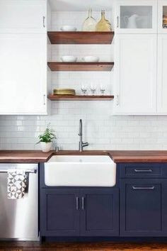 Supreme Kitchen Remodeling Choosing Your New Kitchen Countertops Ideas. Mind Blowing Kitchen Remodeling Choosing Your New Kitchen Countertops Ideas. Kitchen Cabinet Colors, Kitchen Cabinetry, Kitchen Redo, New Kitchen, Kitchen Dining, Kitchen Ideas, Kitchen White, Kitchen Backsplash, Kitchen Colors