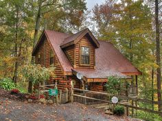 VRBO.com #4053125ha - New Listing**Private & Secluded*Wifi*Hot Tub*Pool Table*Low Rates*1 Mile to Pkwy