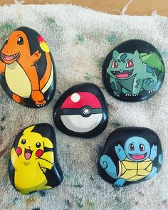 Finally I have a full set on hand for a picture! These sold out from under me at the last two shows. I was working on them at the markets… Pebble Painting, Pebble Art, Stone Painting, Painted Rocks Craft, Hand Painted Rocks, Rock Painting Ideas Easy, Rock Painting Designs, Stone Crafts, Rock Crafts
