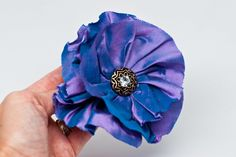 Birdsong Bows: Free Fabric Flower Tutorial - How to make a simple gathered fabric flower