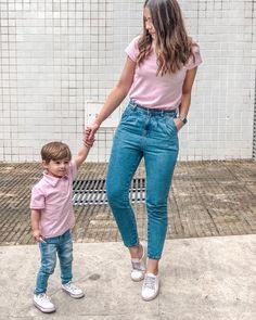 Qual seu #talmaetalfilho preferido?? 💖 Arrasta pro lado pra ver! #talmãetalfilho #maeefilho #combinadinhos #lookinhos Mother Son Matching Outfits, Mom And Baby Outfits, Little Boy Outfits, Kids Outfits, Mommy And Son, Mom Son, Outfits Madre E Hija, Baby Boy Fashion, Kids Fashion