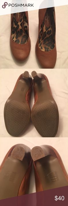 Jessica Simpson heels Tan round toe Jessica Simpson heels. Heel is approximately 4 inches with a slightly lighter color, Stacked wooden look. Worn a few times. Size is 9.5. Medium with heel for easier walking! Comfy shoes! Jessica Simpson Shoes Heels