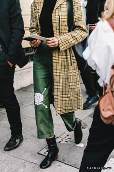 Love the palette 3/4 length plaid jacket and cropped pants with those boots - Paris Fashion Week весна-лето 2017 - street style