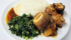 How to make Zimbabwean Sadza (and serve it)