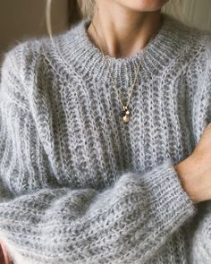 Pulli stricken September Sweater – PetiteKnit Do You Have All Of Your Garden Supplies? Sweater Knitting Patterns, Knitting Stitches, Free Knitting, Knitting Ideas, Mohair Sweater, Wool Sweaters, Big Sweater, Ensembles Outfit, Pull Mohair