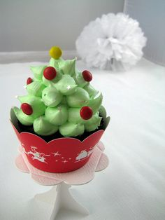 Christmas Tree peppermint hi hats by Bubble and Sweet, via Flickr