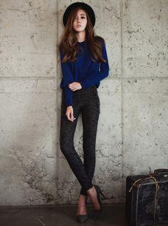 CASUAL: black hat, blue longsleeves, grey skinny jeans and heels