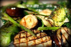 La mejor receta de Parrillada de Verduras con Vinagreta. Disfruta cocinando verduras a la plancha con la fácil video receta que te mostramos a continuación