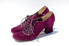 Plum purple velvet oxfords | vintage |  www.etsy.com/shop/nighthawksvintage Purple Velvet, Plum Purple, Oxford Heels, Lace Up Heels, Oxfords, 1990s, Walking, Trending Outfits, Unique Jewelry
