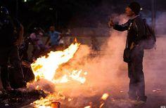 VIDEO: ASI FUERON LAS ACCIONES VIOLENTAS DIRIGIDAS POR LEOPOLDO LÓPEZ QUE INTENTARON TUMBAR A MADURO