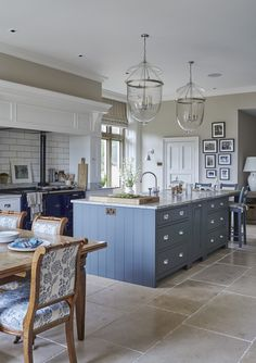 Very pretty kitchen with blue kitchen island Sims Hilditch Interior Design - New Forest Manor House Kitchen Flooring, Kitchen Remodel, Interior Design Kitchen, Manor House Interior, New Kitchen, Country Kitchen, Home Kitchens, Kitchen Living, Kitchen Design