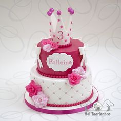 Pink and white crown princess cake