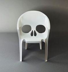 skull lawn furniture. Sold!