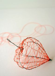 Chinese lantern by Inspire Styling – Handwerk und Basteln Sculptures Sur Fil, Sculpture Art, Wire Sculptures, Abstract Sculpture, Bronze Sculpture, Wire Crafts, Metal Crafts, Stylo 3d, Wire Flowers