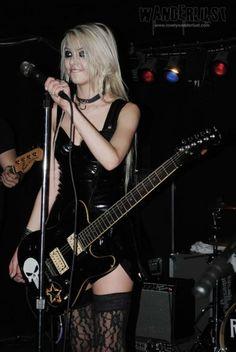 Release my soul Taylor Momsen, Taylor Michel Momsen, Eliza Taylor, Badass Women, Sexy Women, Rock And Roll Girl, Heavy Metal Girl, Taylor Marie Hill, Rocker Girl