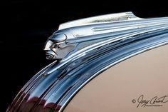 Car Hood Ornaments, Flare, Pontiac Cars, Art Deco Movement, Old Race Cars, Car Drawings, Car Loans, Fine Art Photography, Vintage Cars