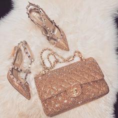 Chanel is my fashion drug Fashion Drug, Chanel Fashion, Fashion Bags, High Fashion, Luxury Fashion, Luxury Shoes, Luxury Bags, Handbag Accessories, Fashion Accessories