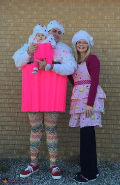 Cupcakes and Baker Family Halloween Costume Idea