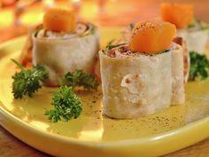 Lefseruller | Oppskrift - MatPrat Fresh Rolls, Street Food, Hummus, Feta, Mashed Potatoes, Pudding, Cheese, Ethnic Recipes, Desserts