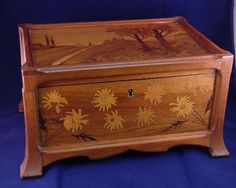 Galle' Inlaid Wood Jewelry Box c. Wooden Art Box, Wood Boxes, Pyrography Ideas, Wooden Pattern, Box Building, Wood End Tables, Jewellery Boxes, Little Boxes, Jewel Box