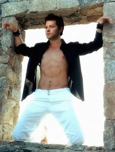 Good god, Misha! Lay off on that magnitude of sexiness. I can't take it. Or don't. I mean blowing my mind is cool too.