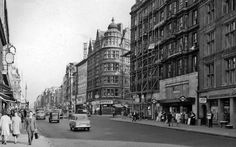 From Buckingham Palace and Covent Garden to Fleet Street and Cheapside, see how London used to look through the subtle features at some of the capital's landmarks. Fleet Street, Bond Street, Old Pictures, Old Photos, London Look, Hill Station, Oxford Street, London Underground, London Photos