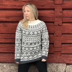 Ravelry: Classical mountain rose sweater pattern by Anne Merete Fjeld - Varm design Mountain Rose, Rose Sweater, Knitting Designs, 2 Colours, Turtle Neck, Pullover, Ravelry, Pattern, Sweaters