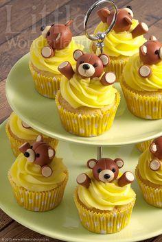 Cupcakes de vainilla con ositos de fondant / Vanilla cupcakes with fondant teddy bears