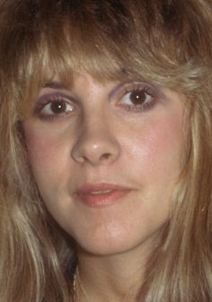 Stevie ~ ☆♥❤♥☆ ~ so naturally beautiful Buckingham Nicks, Lindsey Buckingham, Stephanie Lynn, Stevie Nicks Fleetwood Mac, Gypsy Style, Pretty Woman, Role Models, Rock And Roll, Amazing Women